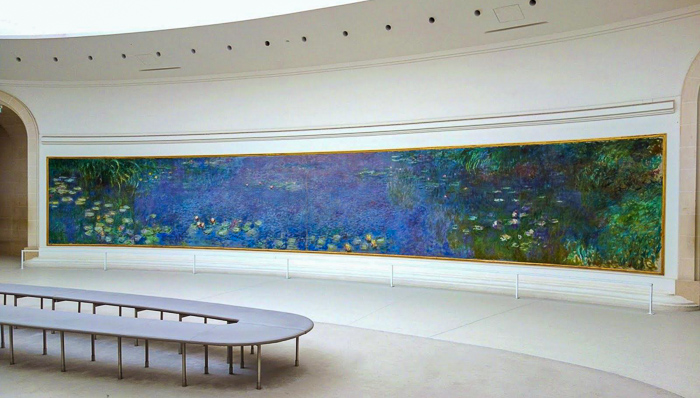 Mural with waters and flowers inside the museum