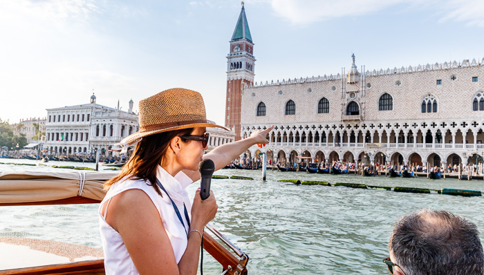 A guided tour of Venice from its canals. The best way to explore and discover the city. History and beauty.