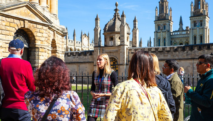 Taking a walking tour of Oxford University