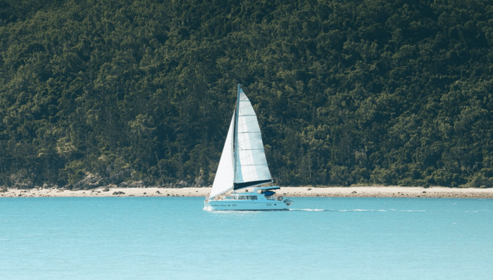 Sailing tour of the pristine Cairns waters at Fitzroy Island