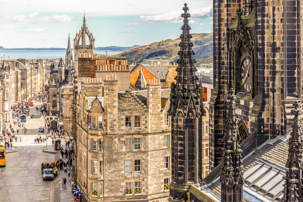 Meet your guide to edinburgh getyourguide meet your guide to edinburgh m4hsunfo